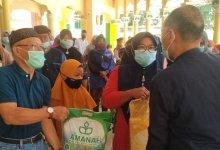 Photo of BKM dan Himdadi Masjid Raya Stabat Salurkan Bantuan RSUP H Adam Malik